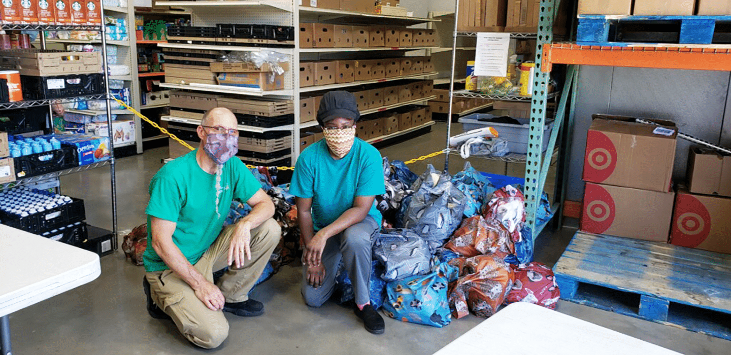 Pet Pals Pack donates to Amazing Grace Food Pantry